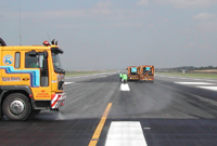 Runway-Cleaning